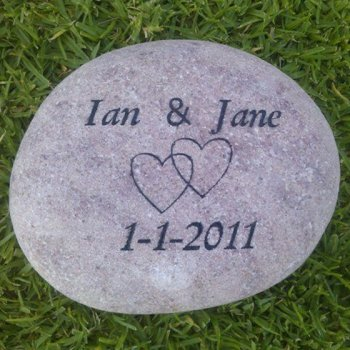 Shop-personalised-wedding-gifts-2