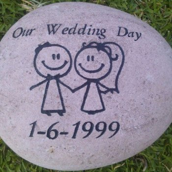 Shop-personalised-wedding-gifts-3