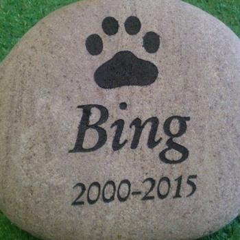 Shop-pet-memorial-plaques-headstones-4