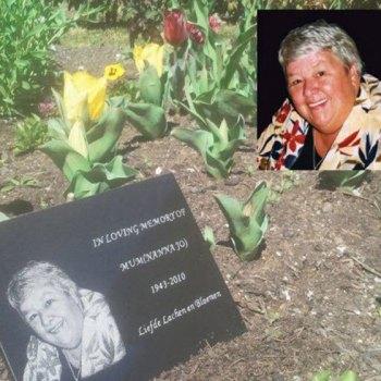 Shop-plaques-for-graves-1